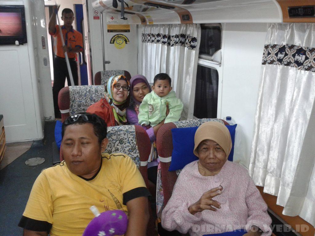 4 Momen Paling Ramai untuk Naik Kereta di Indonesia